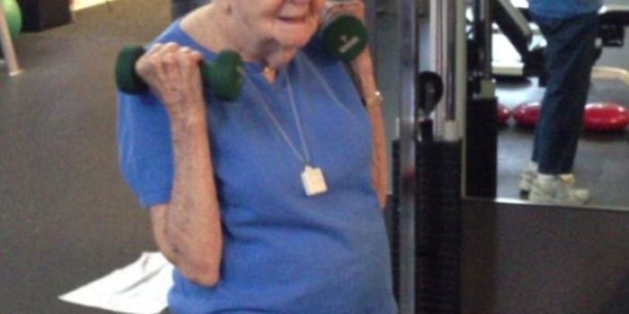 Regina del fitness a quasi cent'anni big