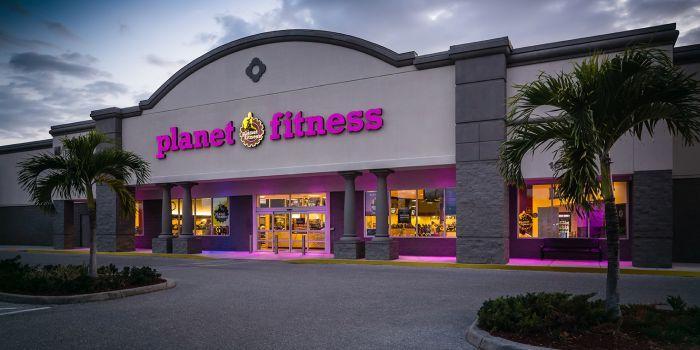 Esterno club Planet Fitness